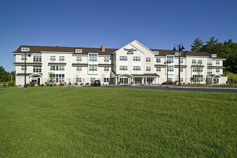 TownePlace Suites Gilford Exterior 0806